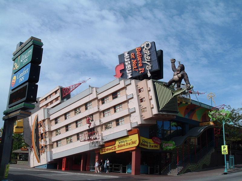 STREET VIEW : King Kong à Niagara Falls (Canada) : trop lourd, le ouistiti ! Dscf5710