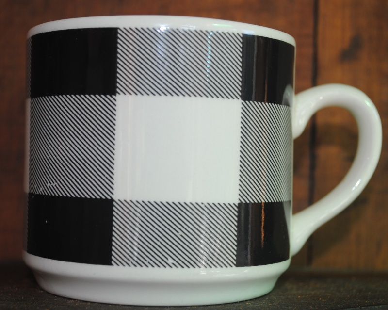 Brown checkers d 51800 Black_10