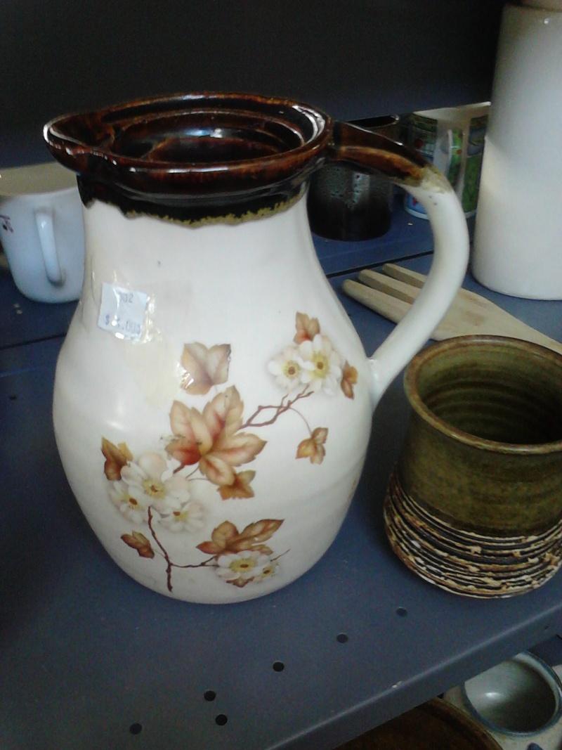 Kermiko Mid sized (?) jug Kermik11