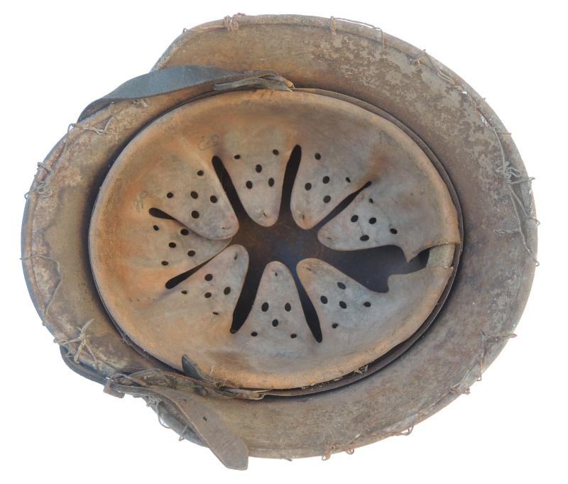Casque allemand grillagé Dscn5732