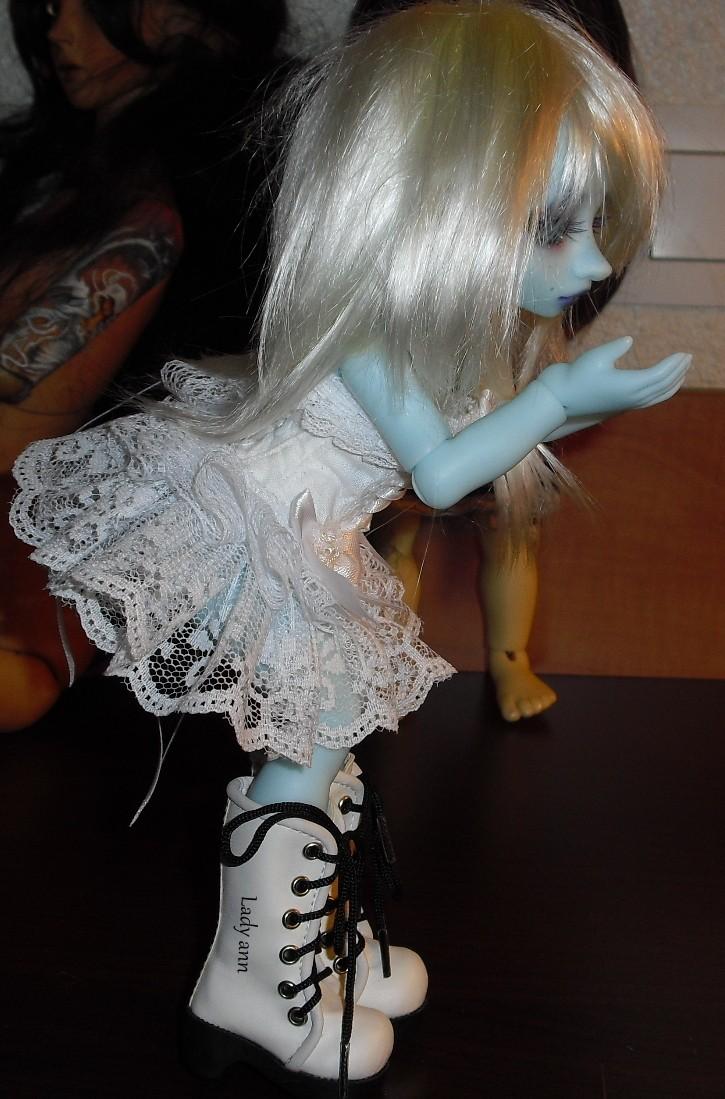 Quand je joue avec la poupée d'une copine.... Cimg1612