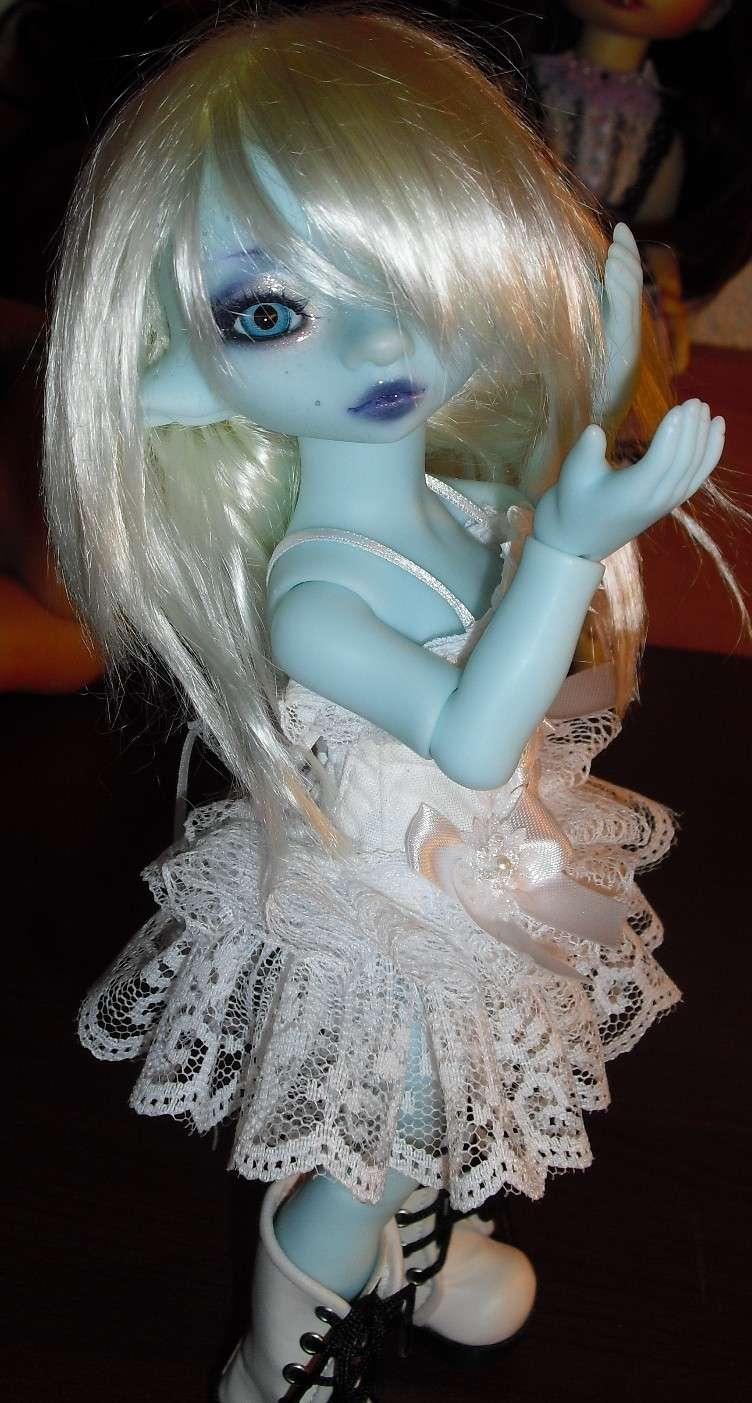 Quand je joue avec la poupée d'une copine.... Cimg1613