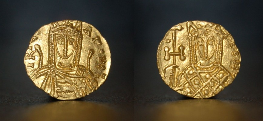 Extremely rare Solidus of Irene of Athens, 752-803 AD. Normal12