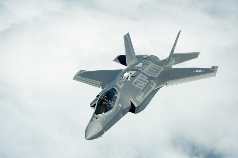 [Italeri] Lockheed Martin F-35 A Lightning II 0-214