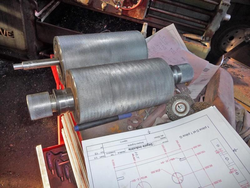 Un broyeur, où plutôt un applatisseur à grains P1040320