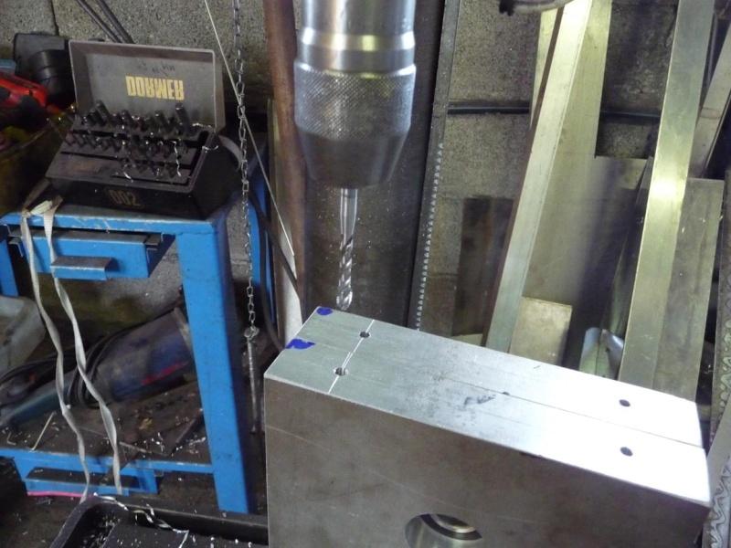Un broyeur, où plutôt un applatisseur à grains P1040323