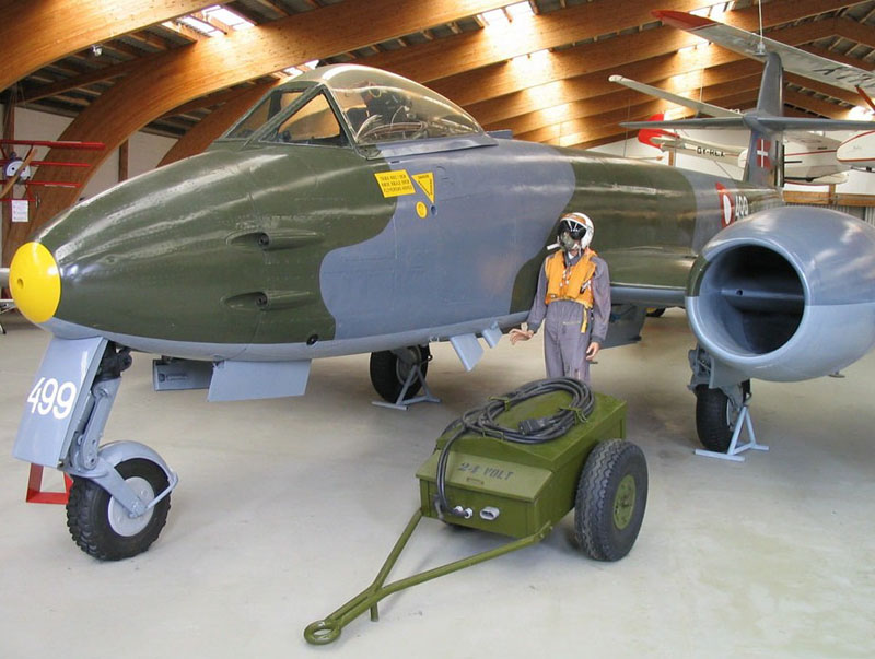 """Le """"Gloster Meteor"""" . Gloste12"""