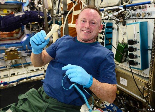 Vol spatial de Samantha Cristoforetti / Expedition 42 et 43 - FUTURA / Soyouz TMA-15M 3d_but10
