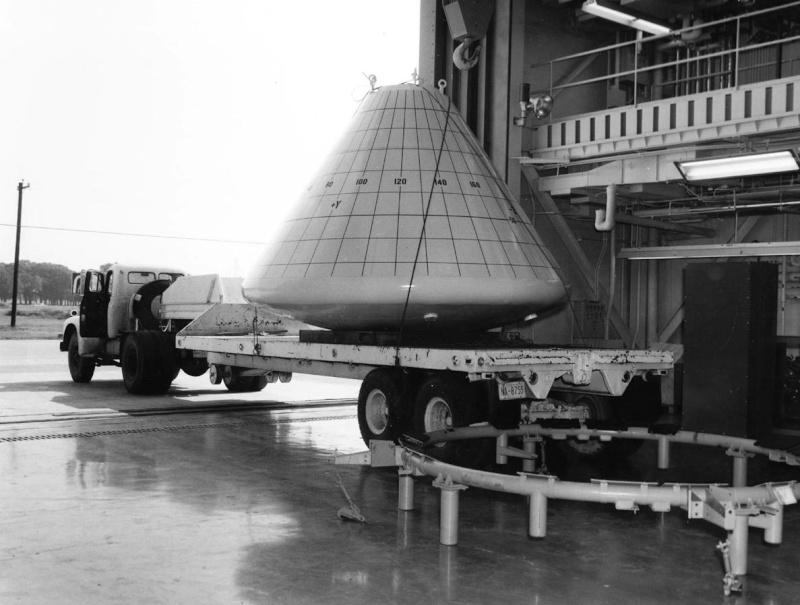 Programme Apollo (autre que les missions) - Le Programme - Rares Documents, Photos, et autres ... Apollo11