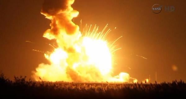 28 octobre 2014 - Lancement vaisseau ravitaillement Cygnus vers l'ISS B1etqp10