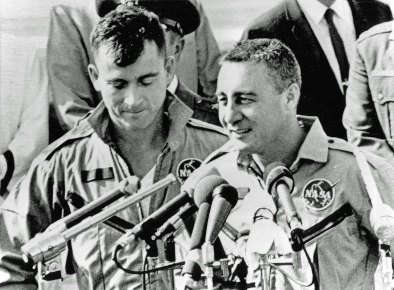 Gemini 3 - Gemini 3 - La mission - Rares Documents, Photos, et autres ... Gemini15