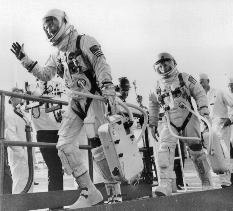 Gemini 4 - La mission - Rares Documents, Photos, et autres / 50 ans Première EVA américaine  Gemini25