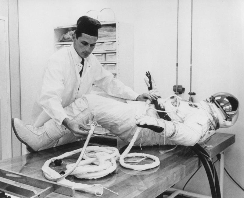 Gemini 4 - La mission - Rares Documents, Photos, et autres / 50 ans Première EVA américaine  Gemini27