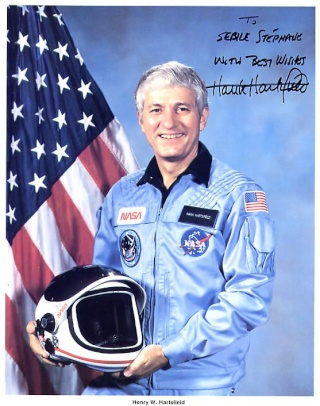 "Disparition de l'astronaute Henry ""Hank "" Hartsfield 1933 - 2014)  Hartsf10"