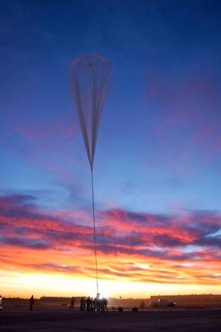 24 octobre 2014 - Nouveau record d'altitude pour un saut en chute libre Image-13