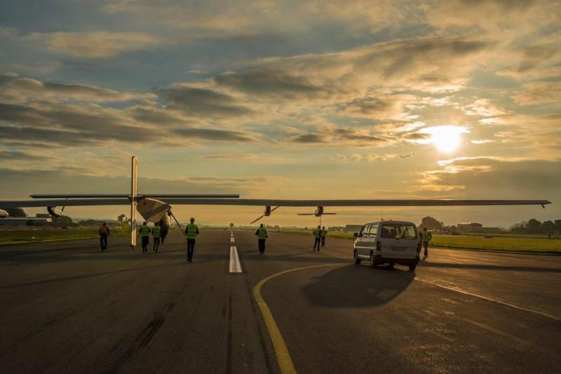Solar Impulse 2 - Premier vol annoncé pour le 2 juin 2014 Si_rou10