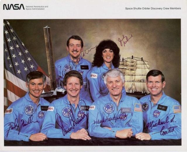 30ème anniversaire de la mission STS-41D / 1er vol de la navette spatiale Discovery Sts-4110