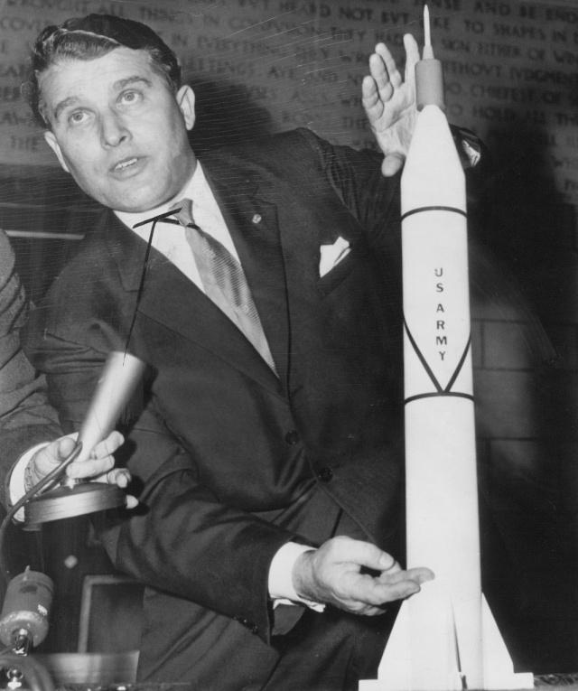 Wernher von Braun - Rares Documents, Photos, et autres ... Von_br11