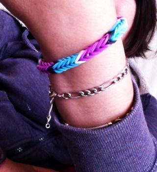 bracelets en élastiques - Page 5 Loom_p12
