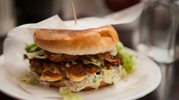 Burger au fromage en grains de Sebastien Benoit Burger10
