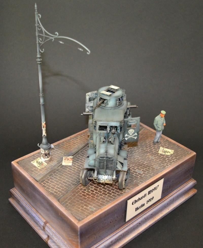 Berlin 1919 ( 1/35 EHRHARDT M1917+ Base et figurine) Dsc_0111