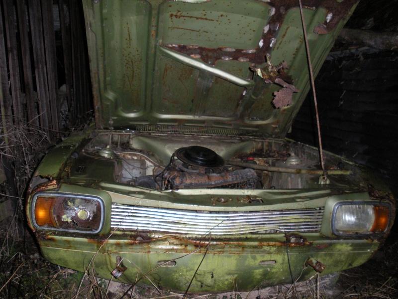 Les voitures abandonnées/oubliées (trouvailles personnelles) Dscn0013