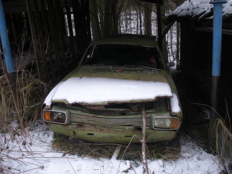 Les voitures abandonnées/oubliées (trouvailles personnelles) Dscn3110
