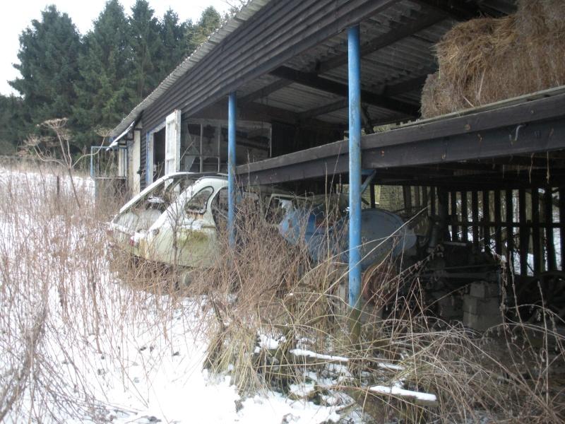 Les voitures abandonnées/oubliées (trouvailles personnelles) Dscn3111