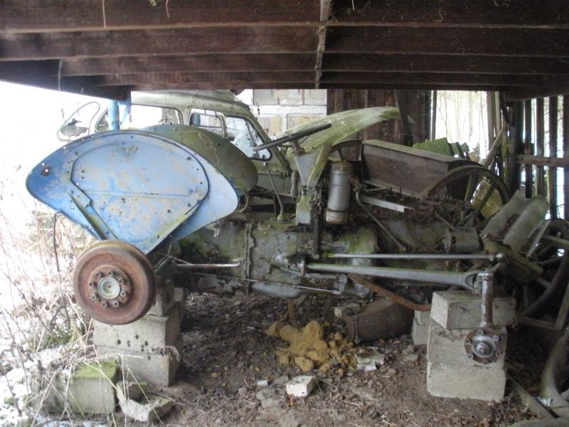 Les voitures abandonnées/oubliées (trouvailles personnelles) Dscn3112