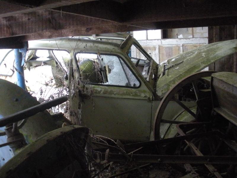 Les voitures abandonnées/oubliées (trouvailles personnelles) Dscn3113