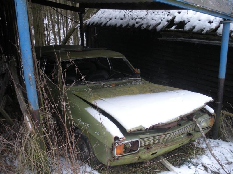 Les voitures abandonnées/oubliées (trouvailles personnelles) Dscn3115