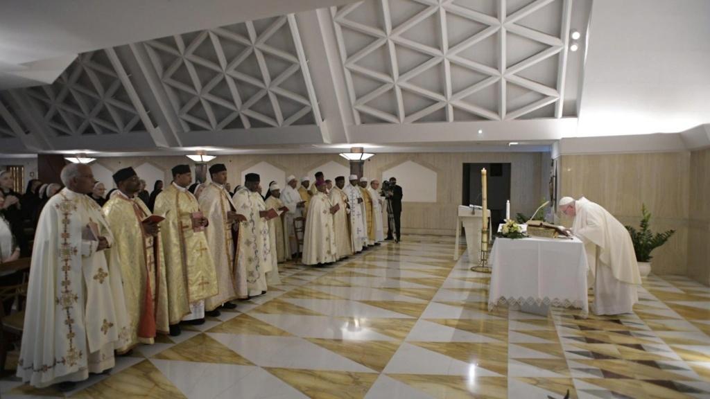 Homélie à Ste-Marthe: les chrétiens doivent être amoureux de la loi de Dieu Cq5dam12