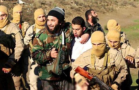 """IS: """"Nhà nước Hồi giáo"""" tự xưng - Page 5 16-cho12"""