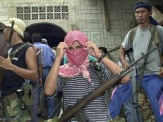 """IS: """"Nhà nước Hồi giáo"""" tự xưng - Page 3 Abusay10"""
