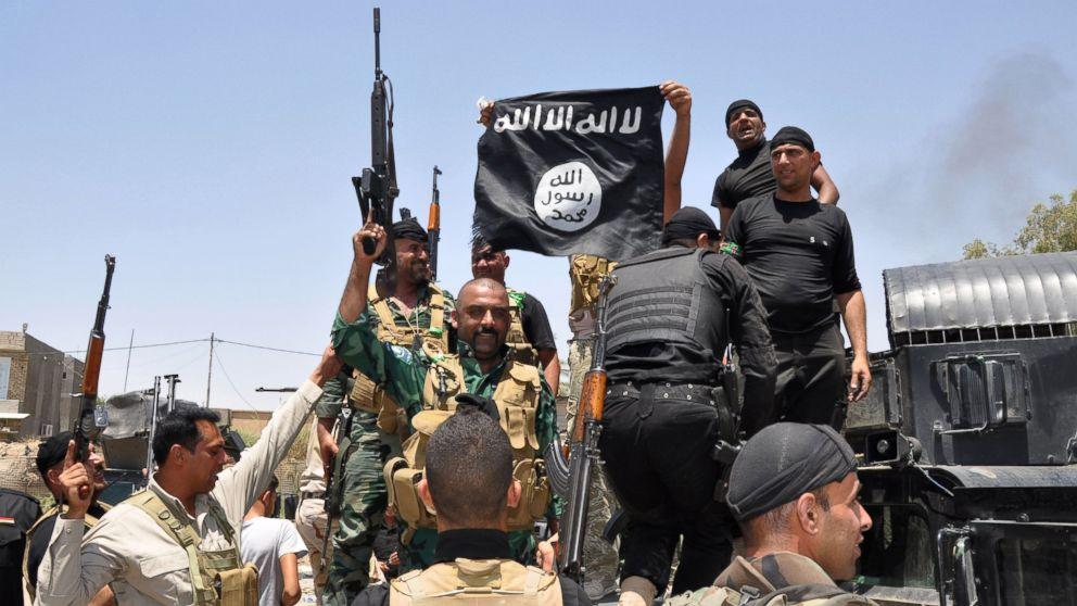 """IS: """"Nhà nước Hồi giáo"""" tự xưng - Page 2 Ap_isi10"""