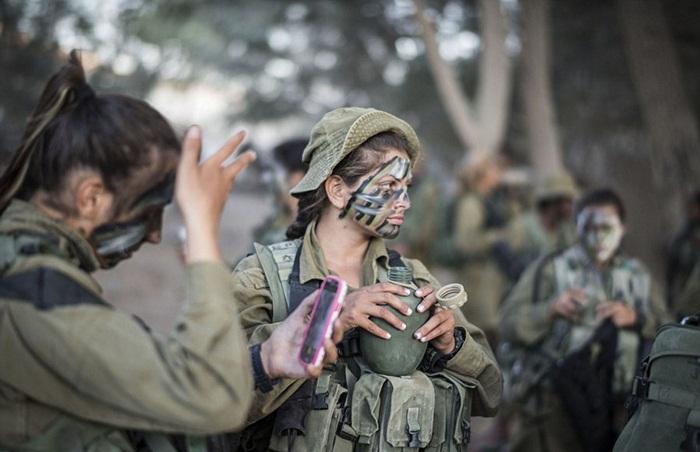Ngắm biệt đội nữ binh sĩ Israel xinh đẹp Binh3-10
