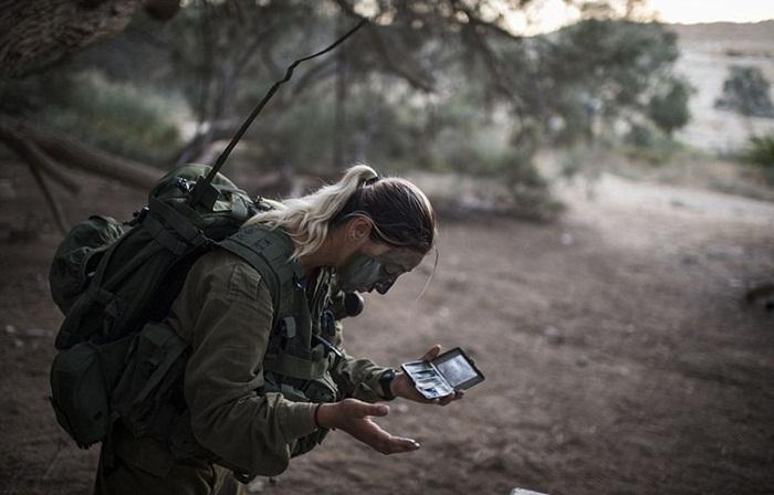 Ngắm biệt đội nữ binh sĩ Israel xinh đẹp Binh4-10