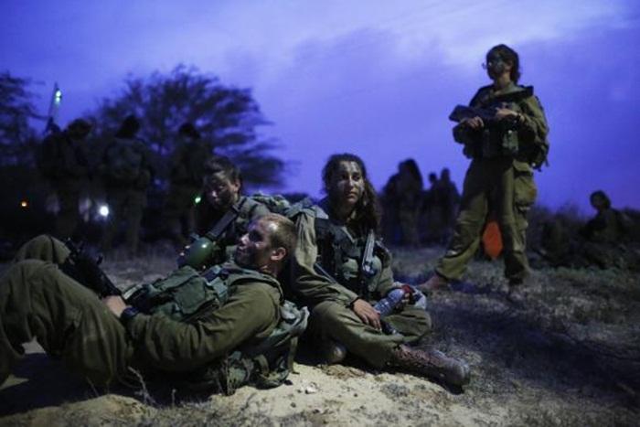 Ngắm biệt đội nữ binh sĩ Israel xinh đẹp Binh8-10