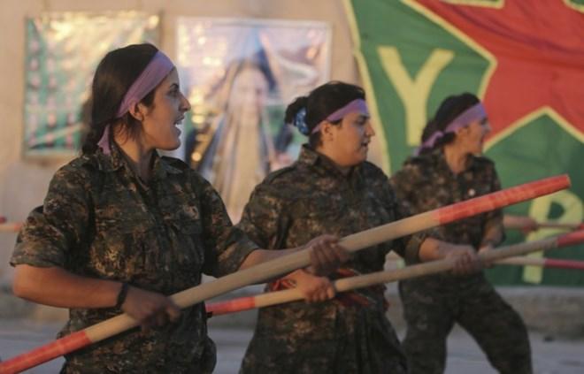 """IS: """"Nhà nước Hồi giáo"""" tự xưng - Page 4 Kurd_w10"""