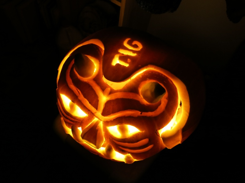 """The 2nd Annual """" TIG STAR WARS PUMPKIN CARVING CONTEST """" begins ... - Page 3 Img_2415"""