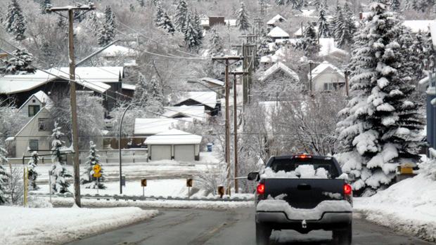 Early Snowfall in Western Canada Li-cal10
