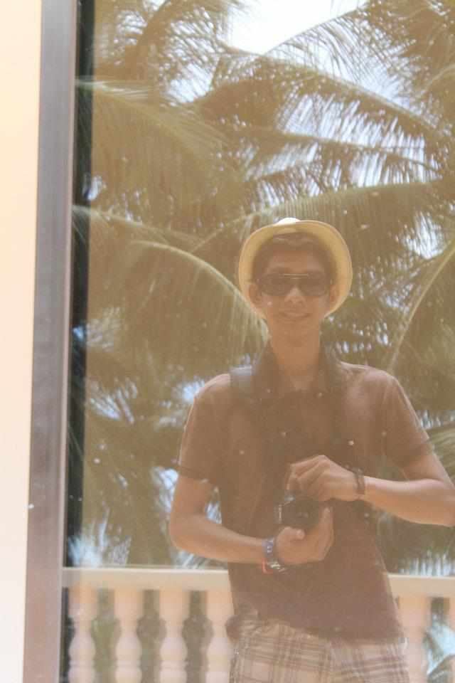 Alex's trip to boracay Haha10