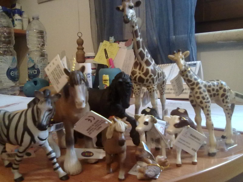 PAPO VINTAGE AT HOME, AND 2 DIFFERENT GIRAFFES  15102010