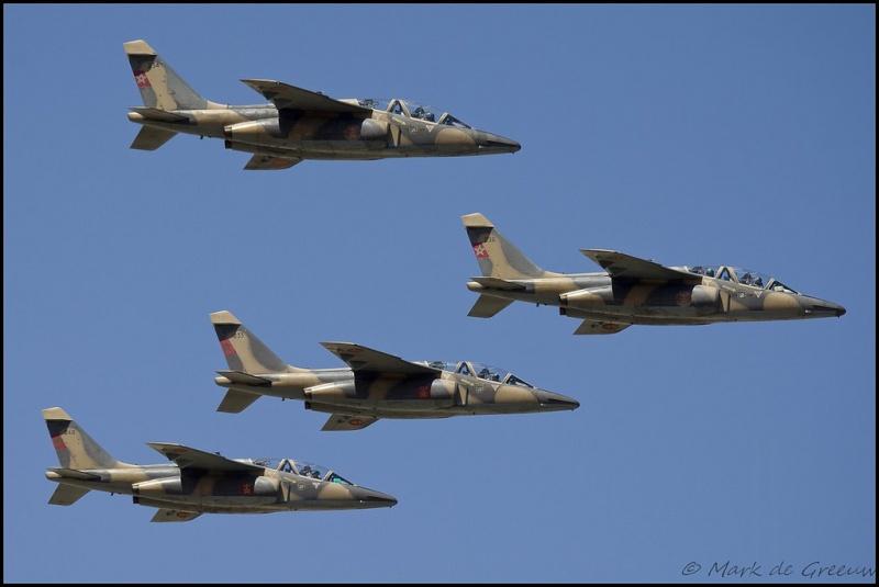FRA: Photos avions d'entrainement et anti insurrection - Page 7 14830210