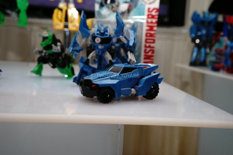 Jouets de TF Robot In Disguise (2015) Dsc08010