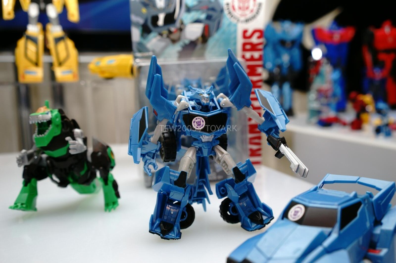 Jouets de TF Robot In Disguise (2015) Dsc08012