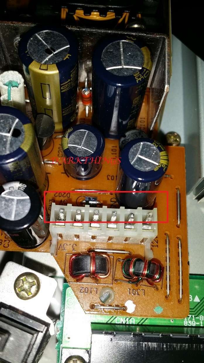 [TUTO] Reconnaitre Une alim 220V ou 110 Dreamcast Alim2212