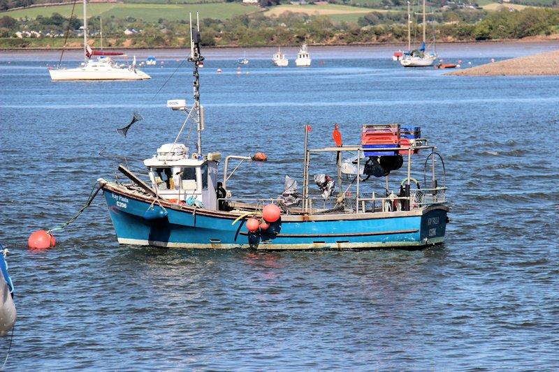 Retour d'Irlande (bateaux de pèche) Img_4612