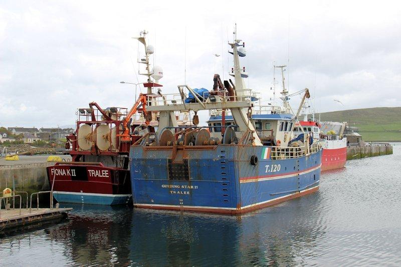 Retour d'Irlande (bateaux de pèche) Img_5210