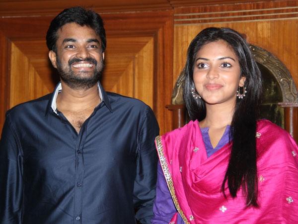 அன்பளிப்பு வேண்டாம்: எபிலிட்டி பவுன்டேஷனுக்கு செக், டி.டி. கொடுங்கள்- அமலா பால், விஜய் Vijay10